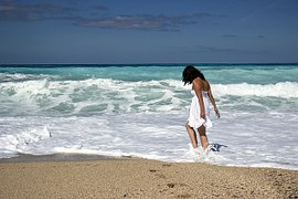 Hoe denken singles over vakantieliefde